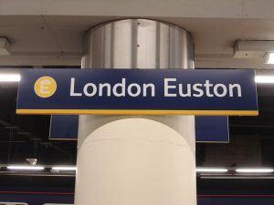 Euston_station_signage
